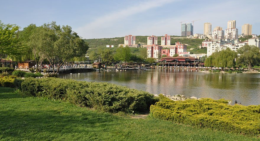 Bahçeşehir Gölet Parkı