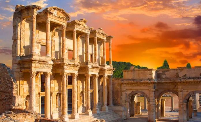 izmirde-gezilecek-yerler-listesi-efes-antik-kenti